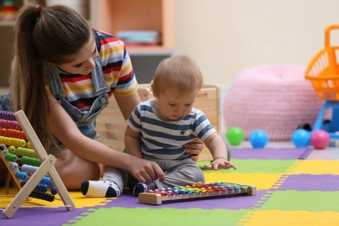 baby-sitter compresa nel Ccnl lavoratori domestici